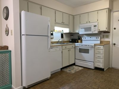 Photo for 2 BR 2 Bath Condo, Short Walk to Beach, 2 pools, tennis courts, free WiFi