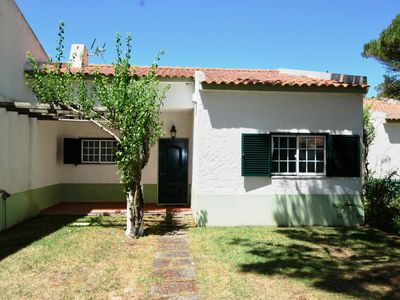 Photo for Casa Do Remo - Charming house for 6 guests only 350 metres from Óbidos lagoon