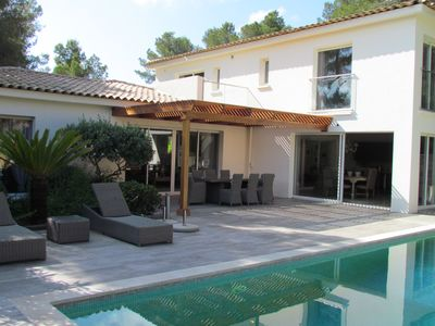 Photo for Beautiful recent contemporary house, beautiful pool, 5 bedrooms, air conditioning