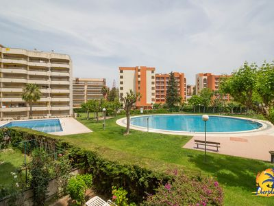Photo for Nice apartment 4 pax, with pool near Plaza Europa Salou.