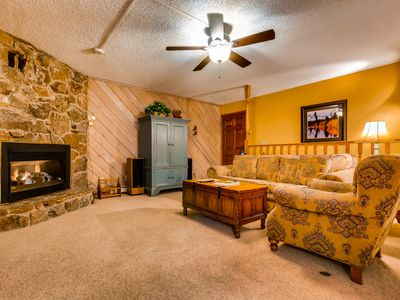 Photo for Prime location across the street from the gondola w/shared pool, hot tubs & more