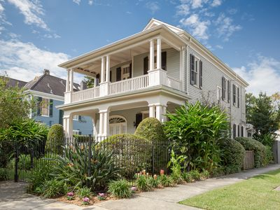 Elegant Victorian w/pool off St. Charles Ave. near Universities!  17STR-07973