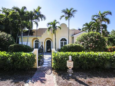 Photo for Casa Captiva!  4 Bedroom, 4 Bath Pool Home just a few houses from private beach.