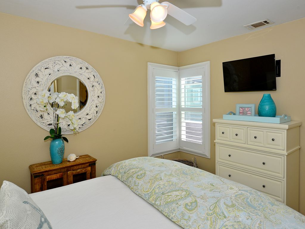 Great Summer Rates Newly Renovated Oceanfront 3bd Large Boardwalk Patio Mission Beach San
