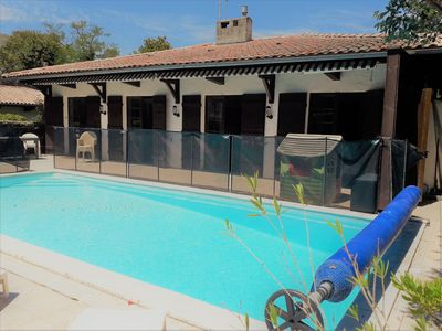 Photo for Large Villa 6 bedrooms with pool, 50m from the beach of Moulleau