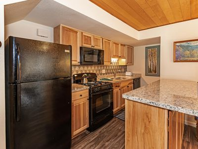 129 Forest Pines - walk to beaches, pool and hot tub.