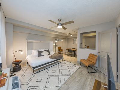 Photo for 1BR Apartment Vacation Rental in Nashville, Tennessee