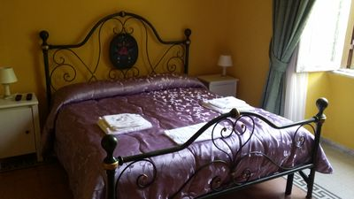 Photo for Rome: elegant Bed & Breakfast 1 single 1 double 1 triple, 1 quadruple