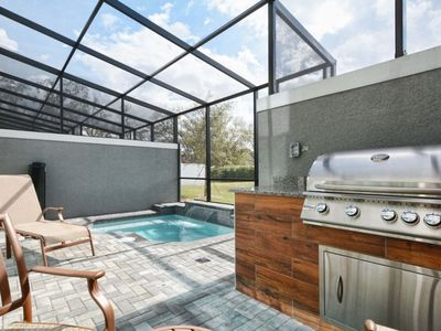 Photo for BEAUTIFUL TOWNHOME CLOSE TO DISNEY! BBQ GRILL AND SPLASH POOL !!