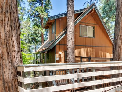 Photo for Spacious 3 Bed, 3 Full Baths + Game Room Cabin
