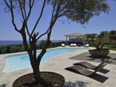 Photo for Prestigious property of 480m2, heated swimming pool 15 * 6 with pool house, 6bb, 6sdb, 3mn beach