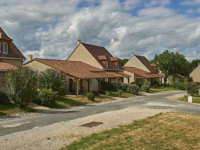 Photo for Cozy holiday home with a dishwasher, not far from Sarlat