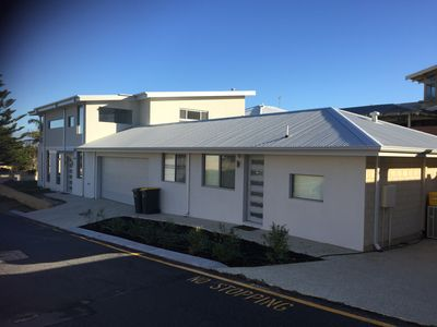 Photo for The Beach Pad - 2 Bedroom Self Contained Apartment 200m from Sorrento Beach