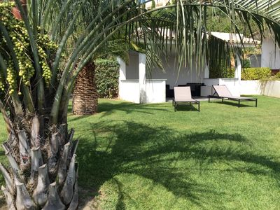 Photo for Charming, contemporary and comfortable villa with pool.