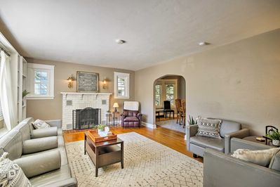 Escape to the lively city of Annapolis at this lovely vacation rental home.