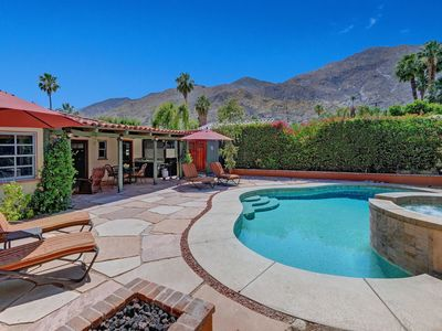 Photo for Charming 2br/2ba with Den, Pool, Spa & Mountain Views, Mins from Downtown - Casa