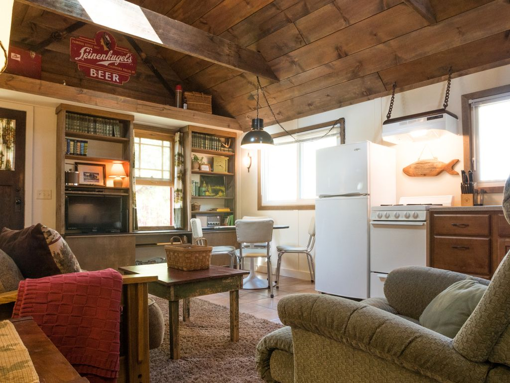 Relax In Our Recently Renovated Cozy Homeaway Lake Wissota