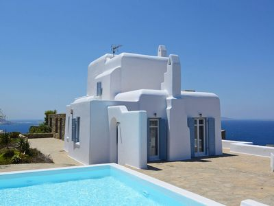 Photo for This 5-bedroom villa for up to 10 guests is located in Houlakia Bay and has a private swimming pool,