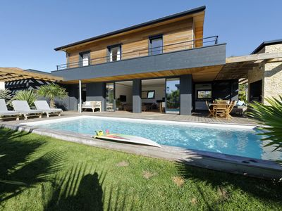 Photo for New 5 * Villa with Heated Pool. Beach walk