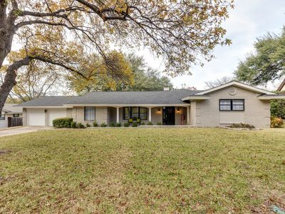Photo for Beautifully remodeled Fort Worth Home with 4 bedrooms, 3 baths