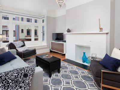 Photo for Elegant and Comfortable Nob Hill 2br/1.5BA Apartment - Corp/Extended Stay