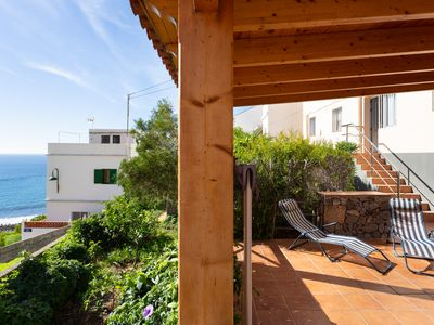 Photo for Nice and quiet apartment with large terrace, BBQ and free WIFI