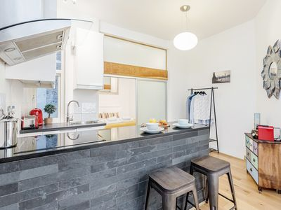Photo for Charming Covent Garden apartment, sleeps 4