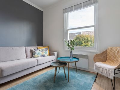 Photo for Modern 1 Bed Apt, Sleeps 4 nr Queens Park