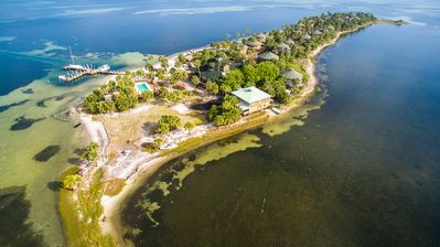 Photo for Private Island, Bay Front, Resort Amenities, Pool, Kayaks, breakfast included
