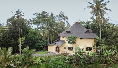 Photo for 5BR, TREEHOUSE Private Quiet amid Rice Field and Nature