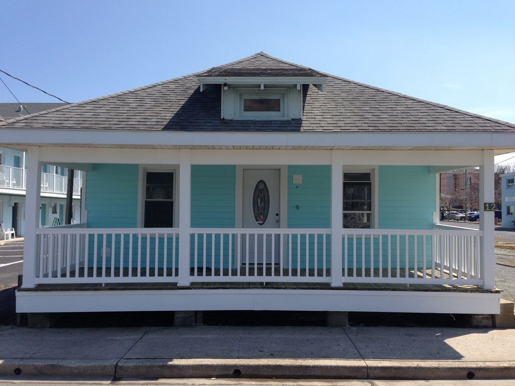 Completely Renovated House Just Steps