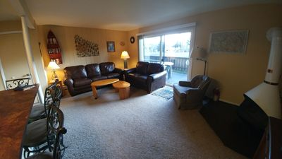 """Photo for May - Oct $450 - $650/wk.  Fncd Patio/FP/HT/Views/Pool/Tennis Crt/55"""" Flat TV"""