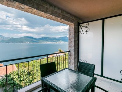 Stunning two bedroom penthouse apartment with great views and pool