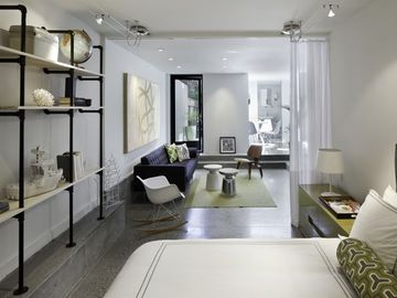 Modern Luxury- A Stylish & Unique Boutique Pied-a-Terre Flat! You will love it!