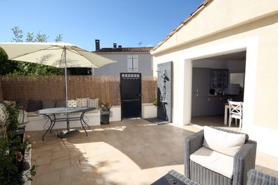 Spacious courtyard for leisurely alfresco dining and soaking up the suns rays