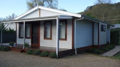 Photo for RAIL TRAIL COTTAGE ACCOMMODATION