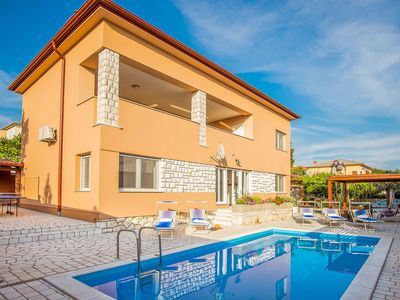 Photo for This 4-bedroom villa for up to 10 guests is located in Novi Vinodolski and has a private swimming po