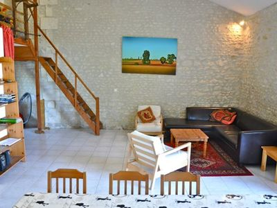 Photo for Character cottage in the heart of the Cognac vineyards