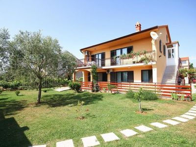 Photo for 2 bedroom Villa, sleeps 6 in Medulin with Air Con and WiFi