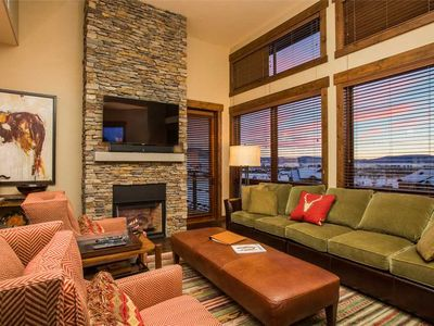 Photo for Luxurious 3 Bedroom Condo w/Pool, Hot Tub & Fitness Center Access