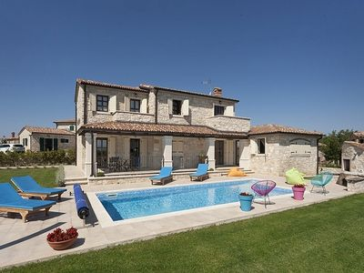 Photo for Holiday house Kastelir for 4 persons with 2 bedrooms - Villa