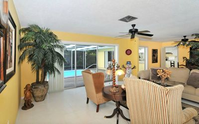 Photo for Enjoy Island life in a House on #1-USA BEACH, SIESTA KEY