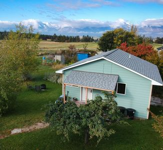 Sage Cottage 406 - a Vacation House with hot tub, fire pit, Free Wi-Fi + more