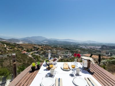 Photo for Airy villa with panoramic views, heated pool, quiet and privately located