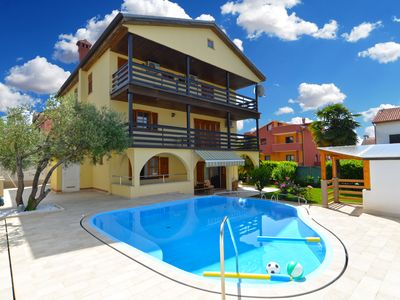 Photo for Holiday apartment Novigrad for 6 - 8 persons with 3 bedrooms - Holiday apartment