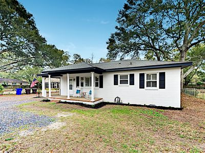 Photo for Lovely Home + Charming Cottage w/ Updated Beds & Decor, Near Beach & Downtown