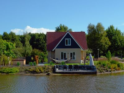 Photo for Detached country houses located on the water-rich property Het Timmerhold