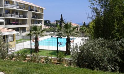 Photo for Flat 2 rooms 42 m ² in peace close sea. Swimming pool. Closed parking.