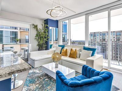 Photo for Electric Picturesque Midtown Grand Crisp Penthouse