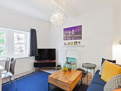 Photo for Cosy 2Bed Apt above Bond Street Tube Stn